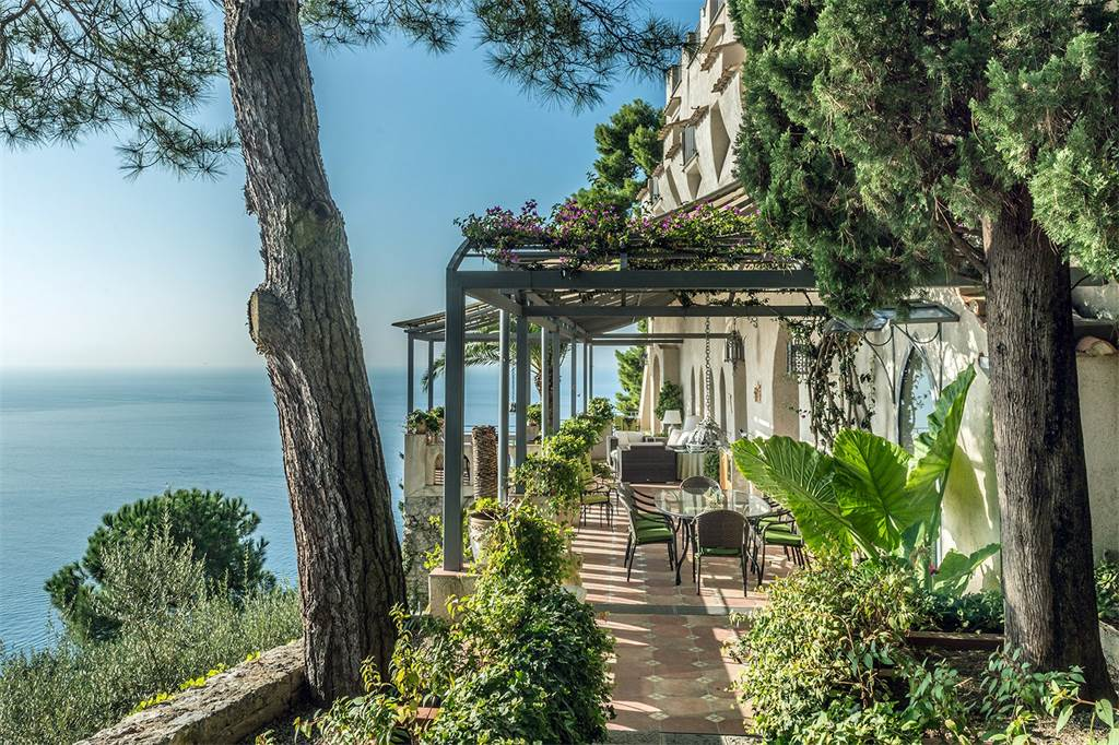 Property for sale in Campania