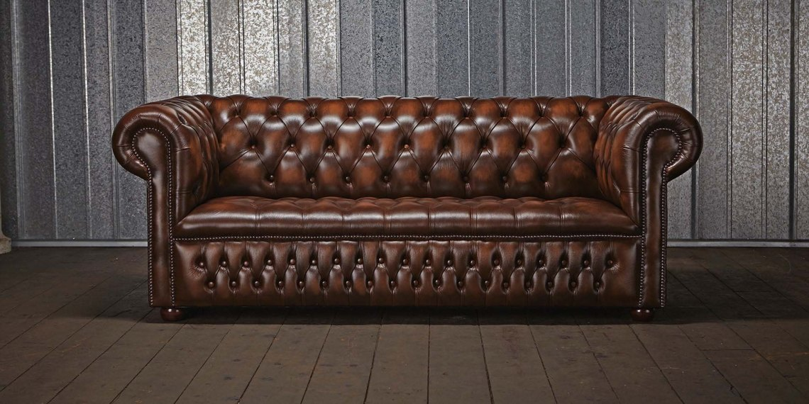 homeiswheretheheartis-british-interior-brown-chesterfield-sofa