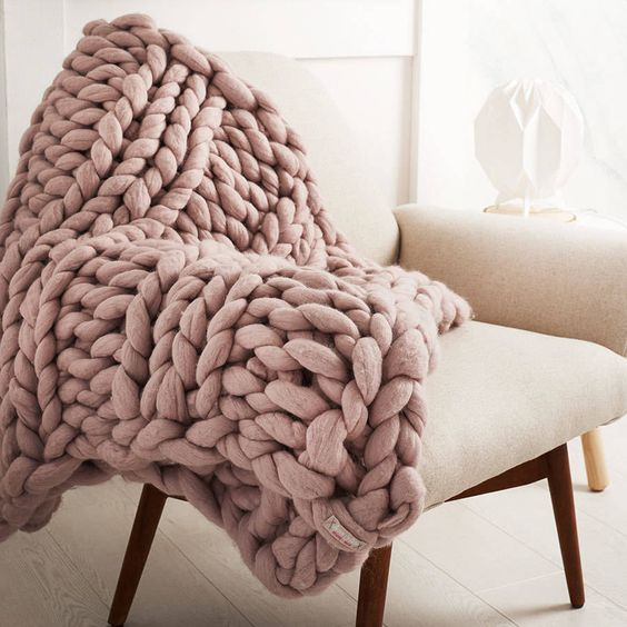 knitted-blanket-cream-chair-modern-living-room
